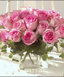 Gorgeous Roses in a contemporary design!
